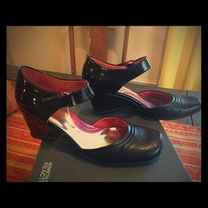 Kenneth Cole Black Patent Wedge Power Thrill Shoes
